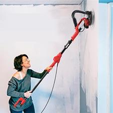 lijando una pared